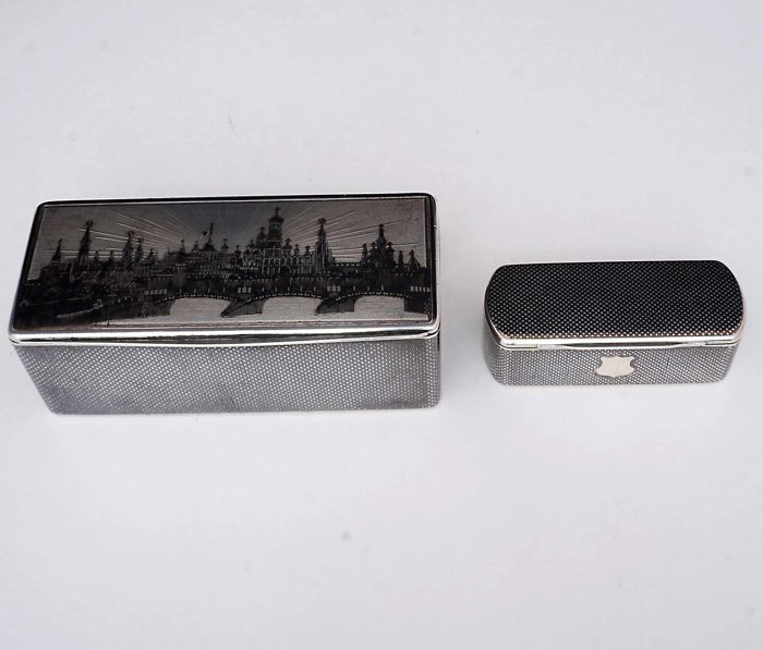 Two parcel-gilt silver and niello snuff-boxes - Group - .875 (84 Zolotniki) silver - Russia - 1850-1874