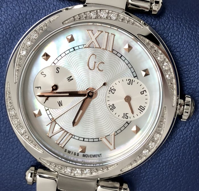 Guess Collection - Diamond GC Lady Chic Day and Date Swiss Made  - Y06111L1 - Dames - 2011-heden