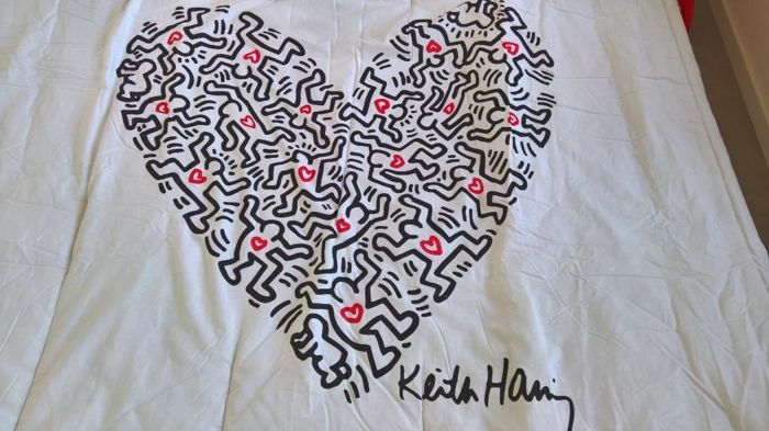 Keith Haring - Large Keith Haring Duvet red/white 2.60 x 2.65 cm