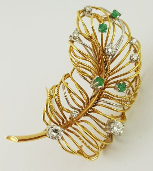 18 kt. Yellow gold - Diamond Brooch - 750 Gold - Diamonds + Emerald - 0.89 ct Diamond - Emerald