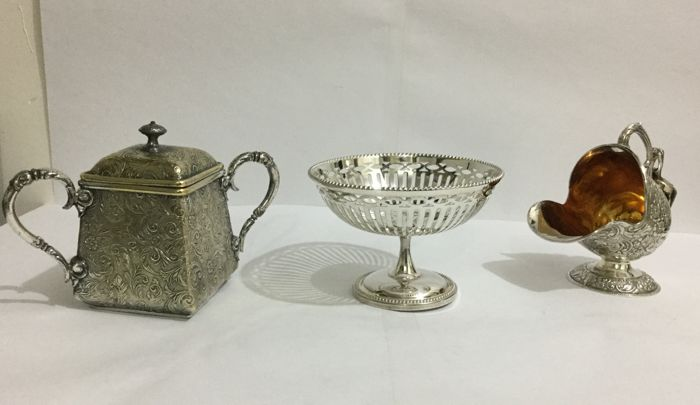 Silver plated Vintage Sheffield Highlands Sugar Bowl - Silverplate