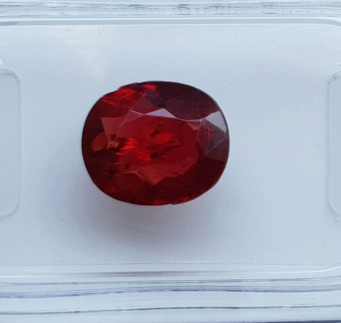 Fine colour quality - Vivid red Spinel - 2.21 ct