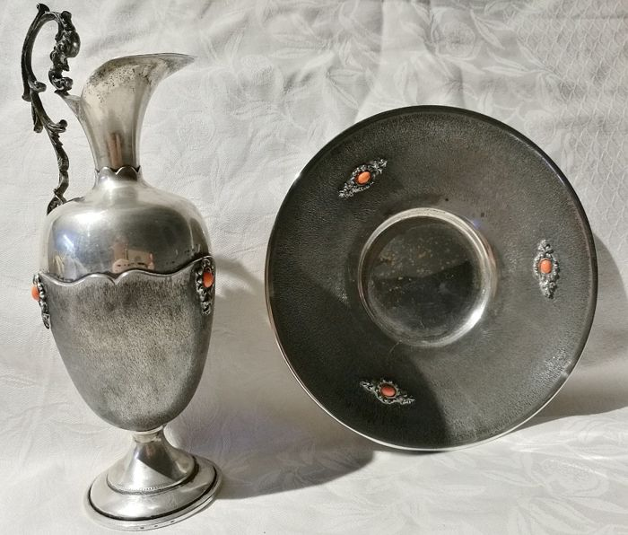 Elegant Set Consisting of Pourer and Plate - .800 silver - Italy - 1950-1999