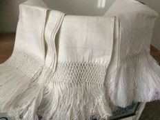 Lot 8 fringed linen towels