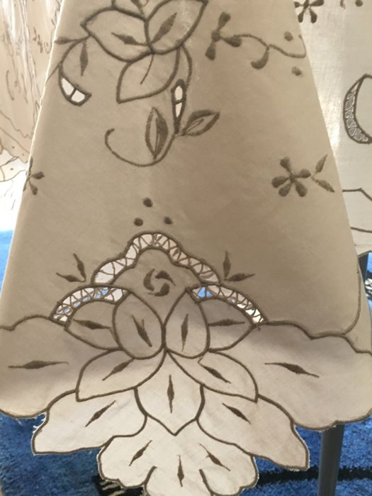 Beautiful rectangular tablecloth in ivory colour with cutwork and embroidery