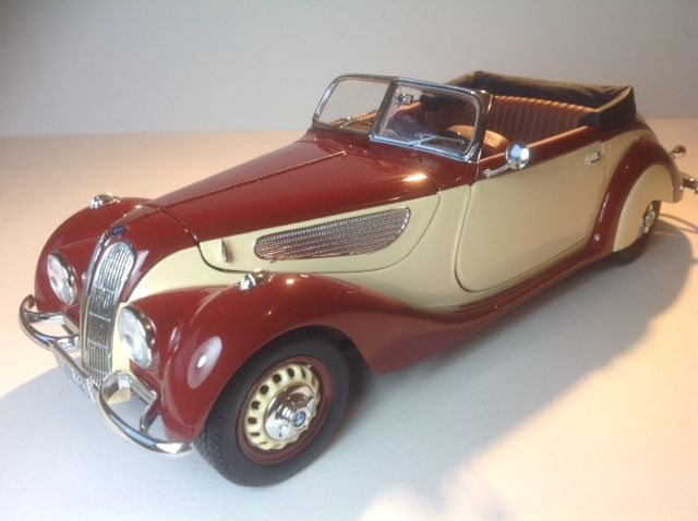 Guiloy - Scale 1/18 - BMW 327 Convertible of 1937