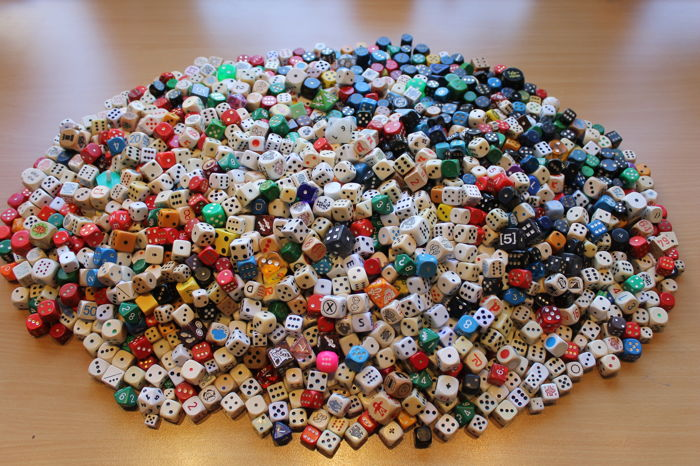 1500 dice - various sizes and material types - 6.8 kg
