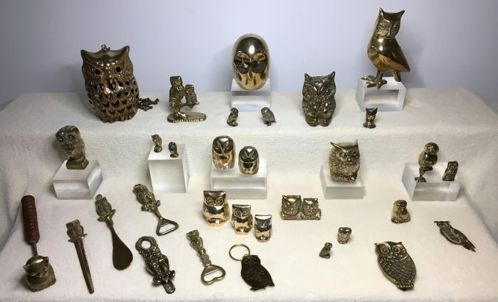 Collection of 33 brass owls - 2nd half 20th century