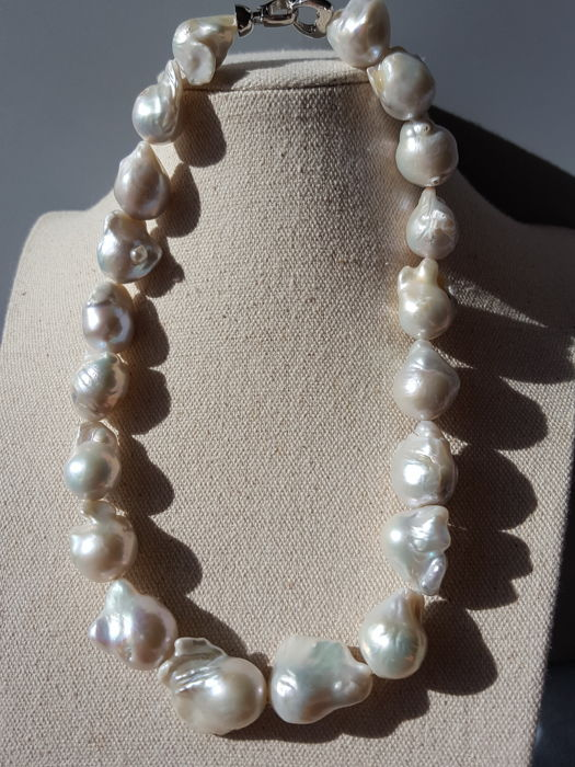 Baroque pearls necklace,size approx 18 X 25 mm ----(No Reserve Prices)