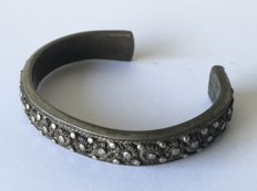 900 silver antique Indonesian bracelet - inner diameter 6.2 cm- C. 1900