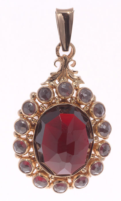 14 kt yellow gold pendant - Garnets - 32 x 20 mm