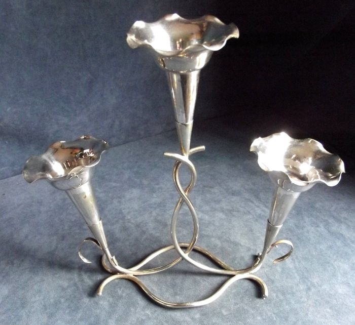 Nice Silver Plated Flower Vase Centrepiece Consisting In Four Cones