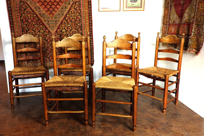 Six knotted chairs, elm wood with rush seat, southern Netherlands, around 1880-1900.