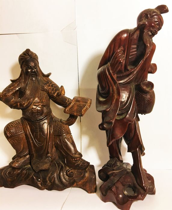 2 handcrafted finely woodcarving statues of Chinese Guan Gong Yu and Shoulao - China - second half 20th century