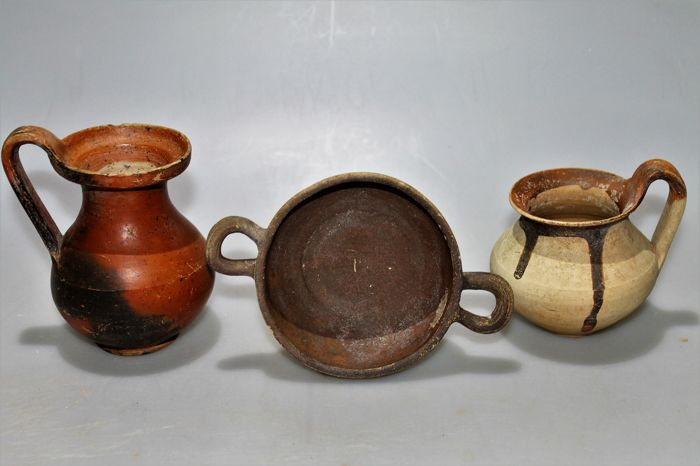 Lot of 3 Hellenistic Ceramics Vessels H.12 cm. / H.10 cm. / H.4 cm. Dm.10 cm   without handles