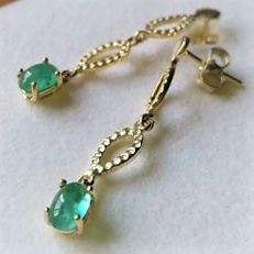 *** No Reserve *** Long Earrings with Beautiful Emeralds of 1.20 carat 14 kt Gold New Made in Spain - 3.5 cm length