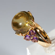 Ring in 18 kt yellow gold with lemon quartz and amethysts
