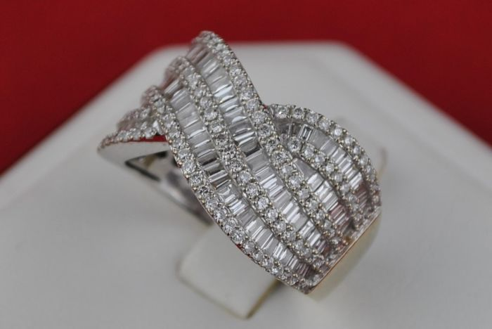"Exclusive ""Fire & Sparkle Swirl"" Cocktail Ring with 233 Diamond Tot. 4.00CT FG/VS set on 18k (Stamped) White Gold - E.U Size 55 *Re-sizable"