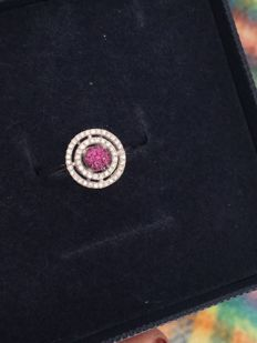 Splendid and modern 18 kt white gold ring by BLISS, with rubies and natural diamonds  Size: 15