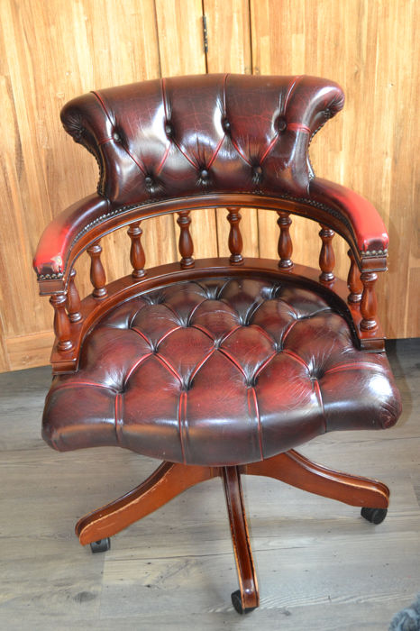 Red Leather Chesterfield style swivel desk armchair, late 20th century