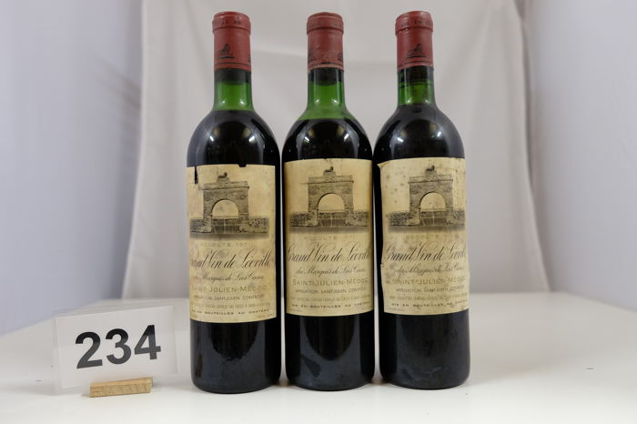 1971 Chateau Leoville-Las Cases 'Grand Vin de Leoville' Saint-Julien Deuxieme Grand Cru Classe France 3 Bottles.