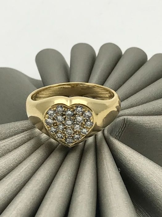 Diamond cocktail ring in heart shape with diamonds in 18 kt yellow gold - ring size 54