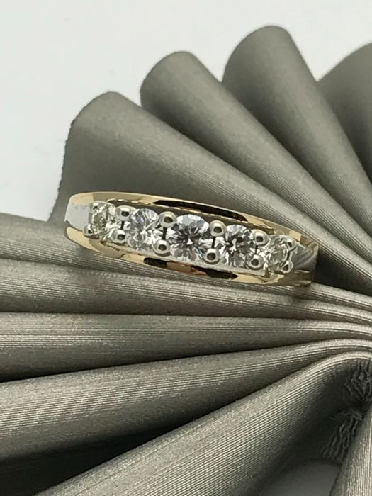 Diamond cocktail ring band with diamonds made from 14 kt / 585 yellow gold - ring size 54