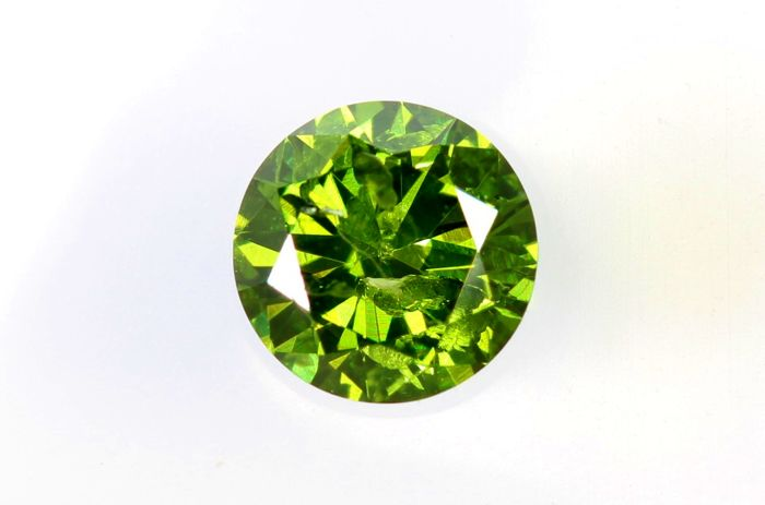 Fancy INTENSE Yellowish Green Diamond - 0.27 ct - I1  - ( Color Treated  ) - * No Reserve Price *