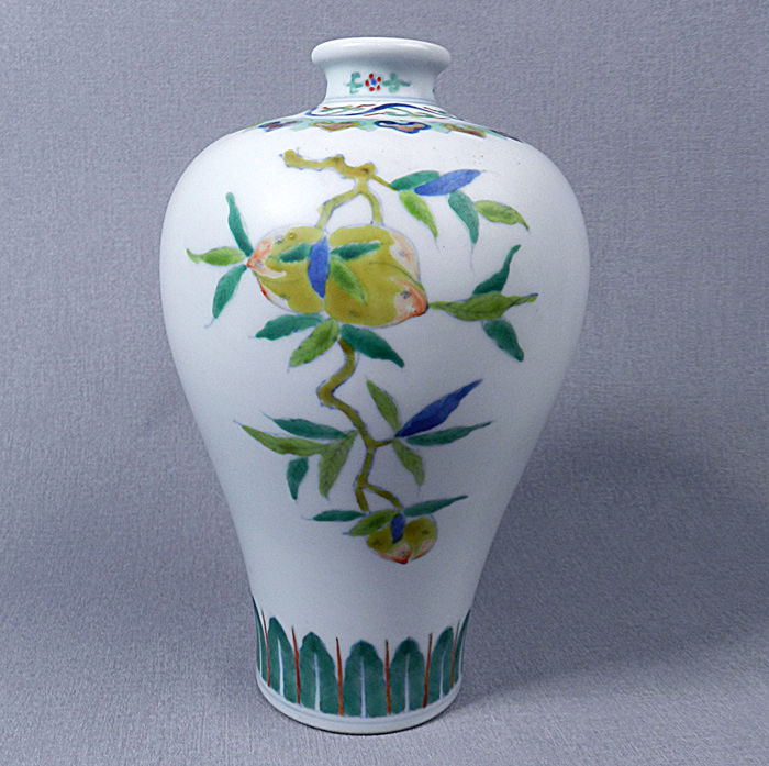 Meiping vase made from porcelain from China, in DOUCAI decor of long-life fish - end of the 20th/start of the 21st century