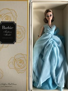 Silkstone Barbie / Blue chiffon ball gown / Mattel / US