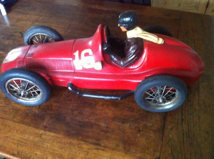 Mercedes type Silver Arrow - colour red