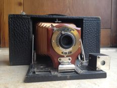 RARE * KODAK RED BELLOWS NO.2 FOLDING BROWNIE MODEL-A WOOD LENS HOLDER