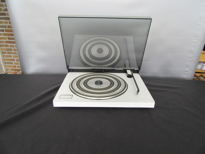 Bang & Olufsen BeoGram 1600 turntable - revised by Beovintage