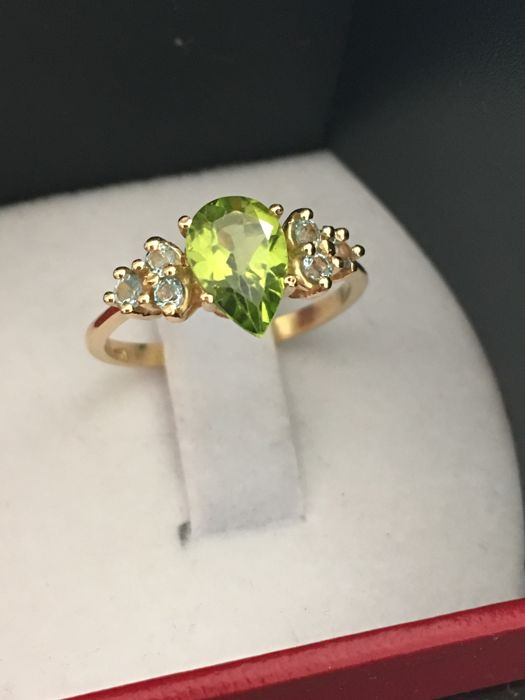 "New collection ring - 18 kt yellow gold and peridot with 6 aquamarines - 17 mm inner diameter ""Made in Spain"""