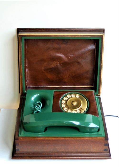 Italian Telcer telephone in a beautiful wooden case, Italy, 1960/70
