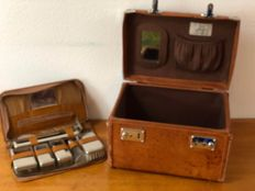 A Giovanni Vintage Travel an Grooming Case