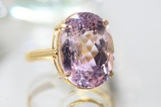 18 kt gold ring set with kunzite, 12 ct, size 56