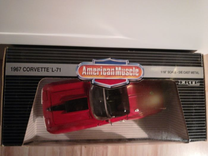 Ertl - Scale 1/18 - Chevrolet Corvette l-71 1967 - Red and Ford Boss 429 Mustang 1970 - Red