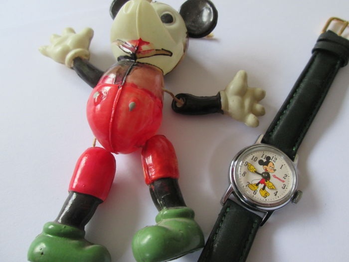 Disney, Walt - Watch Ingersoll + Mickey Mouse and rare Celluloid figure (1950s)