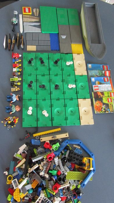 Party Lego, many technical components and plates. Weight more than 2.5 kilos