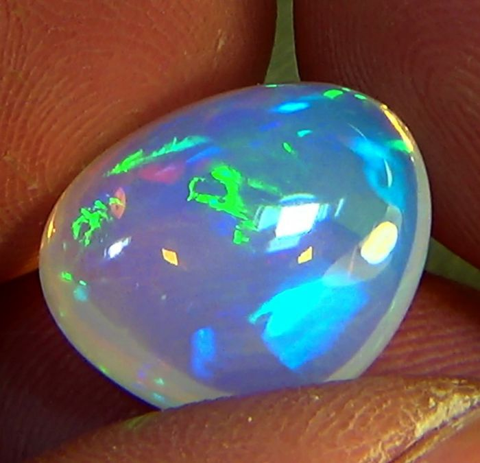 Water Clear Crystal Welo Opal Chaff Pattern - 16 x 12 x 6 mm - 5.10 ct