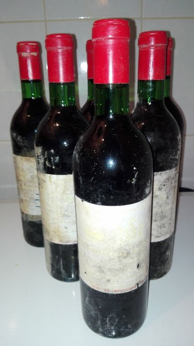 1969 Chateau Moulinet, Pomerol, France / 6 x 0,75 L Bottle
