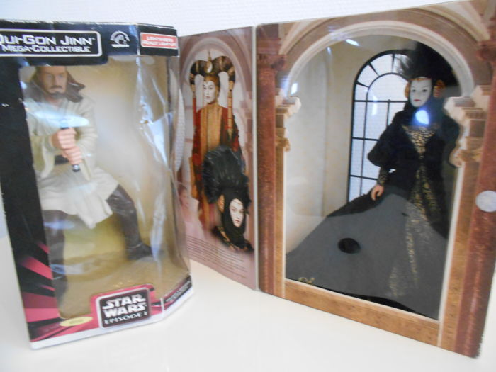 Star Wars figure Qui-gon Jinn and queen Amidelia
