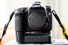 Canon 50D including original Canon battery grip and 2 batteries