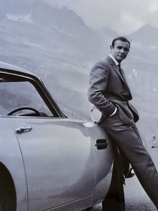 James Bond / Sean Connery - Amazing Iconic Goldfinger Aston Martin Movie Photo Poster ( 60x80cm )