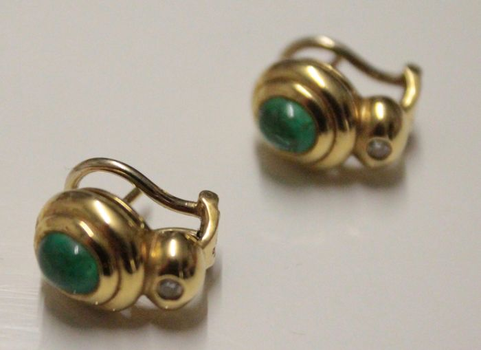 18 kt yellow gold earrings inlaid with diamond and emerald, size 8 x 13 mm