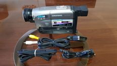 Super VHS cassette video camera with 200x digital zoom
