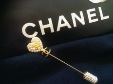 Chanel - Jewelry, Logo pin with pearls