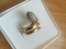 Snake ring in 18 kt yellow gold set with diamonds, total 0.85 ct. Size: 51