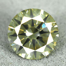 Diamant - 0.89 ct, Natural Fancy Greenish Yellow - EXC/VG/VG - NO RESERVE PRICE